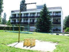 Club Hotel, Agárd