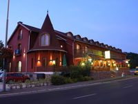 Click here for more images about Laroba Hotel.