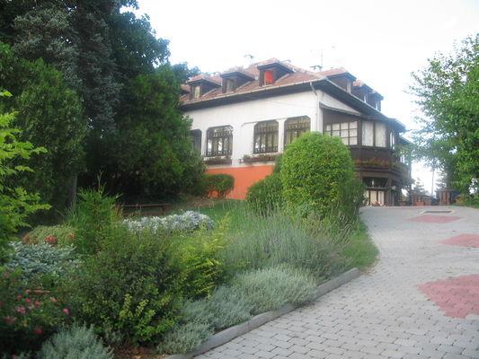Krisztina Panzió, Balatonalmádi