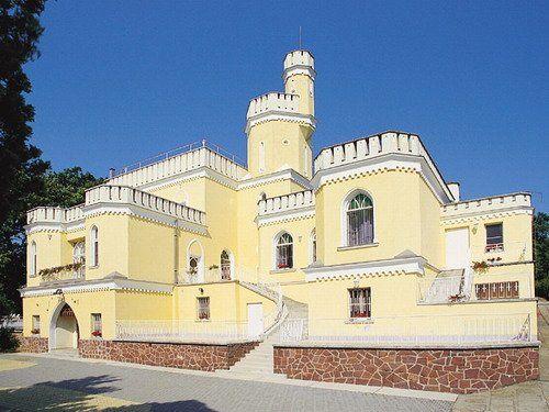 Sir David Balaton Castle, Balatonszepezd
