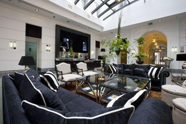 Alta moda fashion room