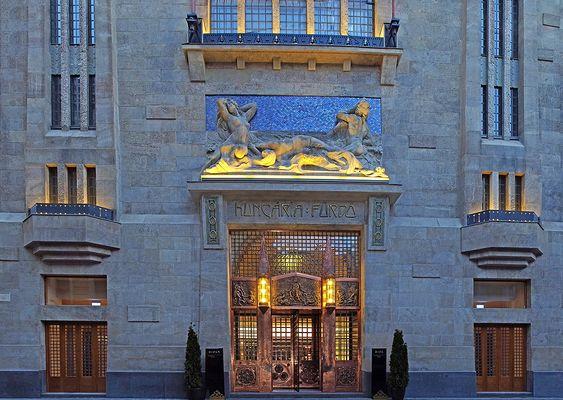 Continental Hotel, Budapest