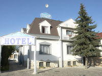 Click here for more images about Hotel Attila.