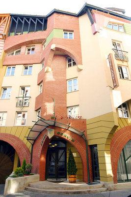 Hotel Corvin, Budapest