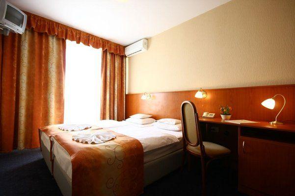 Hotel Hunor, Budapest