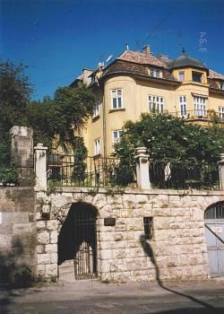 Kalmar Pension, Budapest