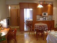 Clicci qui per guardare piú foto su Kalvin Apartments