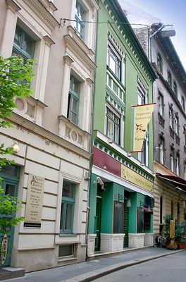 Lian House, Budapest