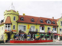 Click here for more images about Hotel Balaton.