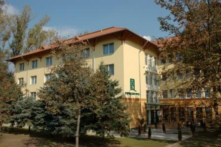Alföld Gyöngye Hotel, Gyopárosfürdő