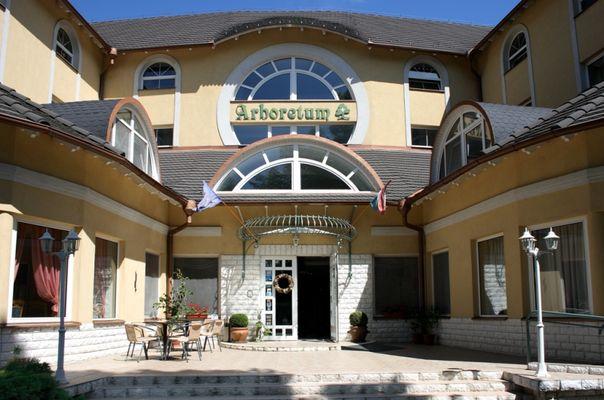 Hotel Arborétum, Harkány