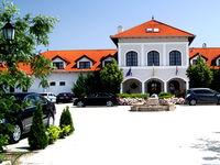 Kattintson ide a Bodrogi Kúria Wellness Hotel többi fényképének megtekintéséhez!