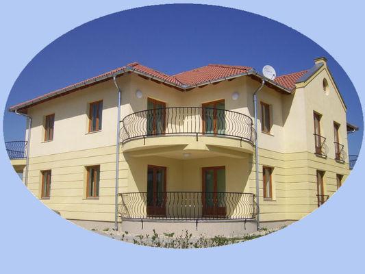 Anetta Apartment House, Kehidakustány