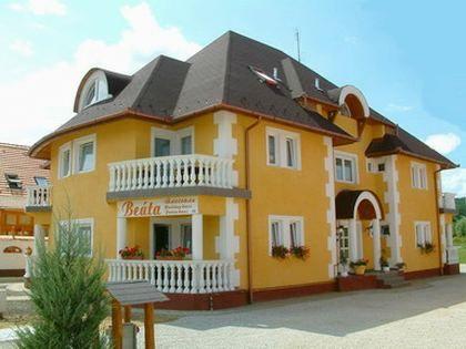 Beata Apartment House, Kehidakustány