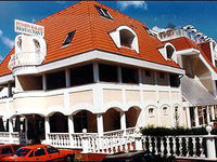 Kattintson ide a Hotel Kakadu többi fényképének megtekintéséhez!