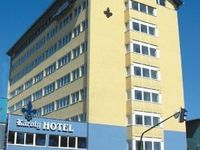 Click here for more images about Hotel Károly.