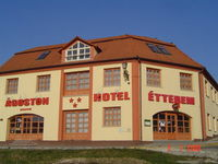 Click here for more images about &Aacute;goston Hotel.