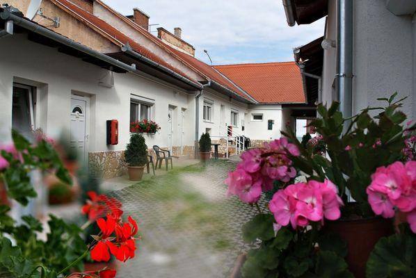 Hungaria Apartment House, Pécs