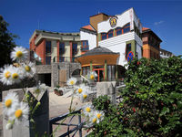 Click here for more images about Sándor Hotel.