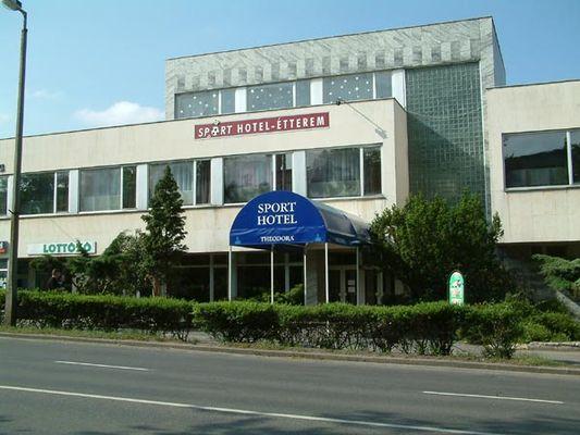 Sport Hotel, Tatabánya