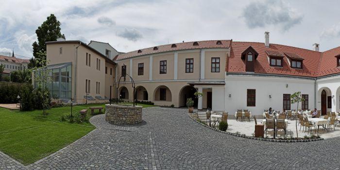 Hotel Historia & Historante, Veszprém