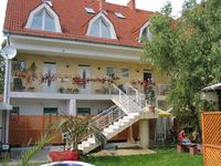 Click here for more images about Weinberger Guesthouse.